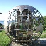 地球岬の電話ボックスは地球の形