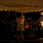 VIVA CAMP MEETINGで演奏するTETSUさんたちのバンドはおしゃれな感じ!